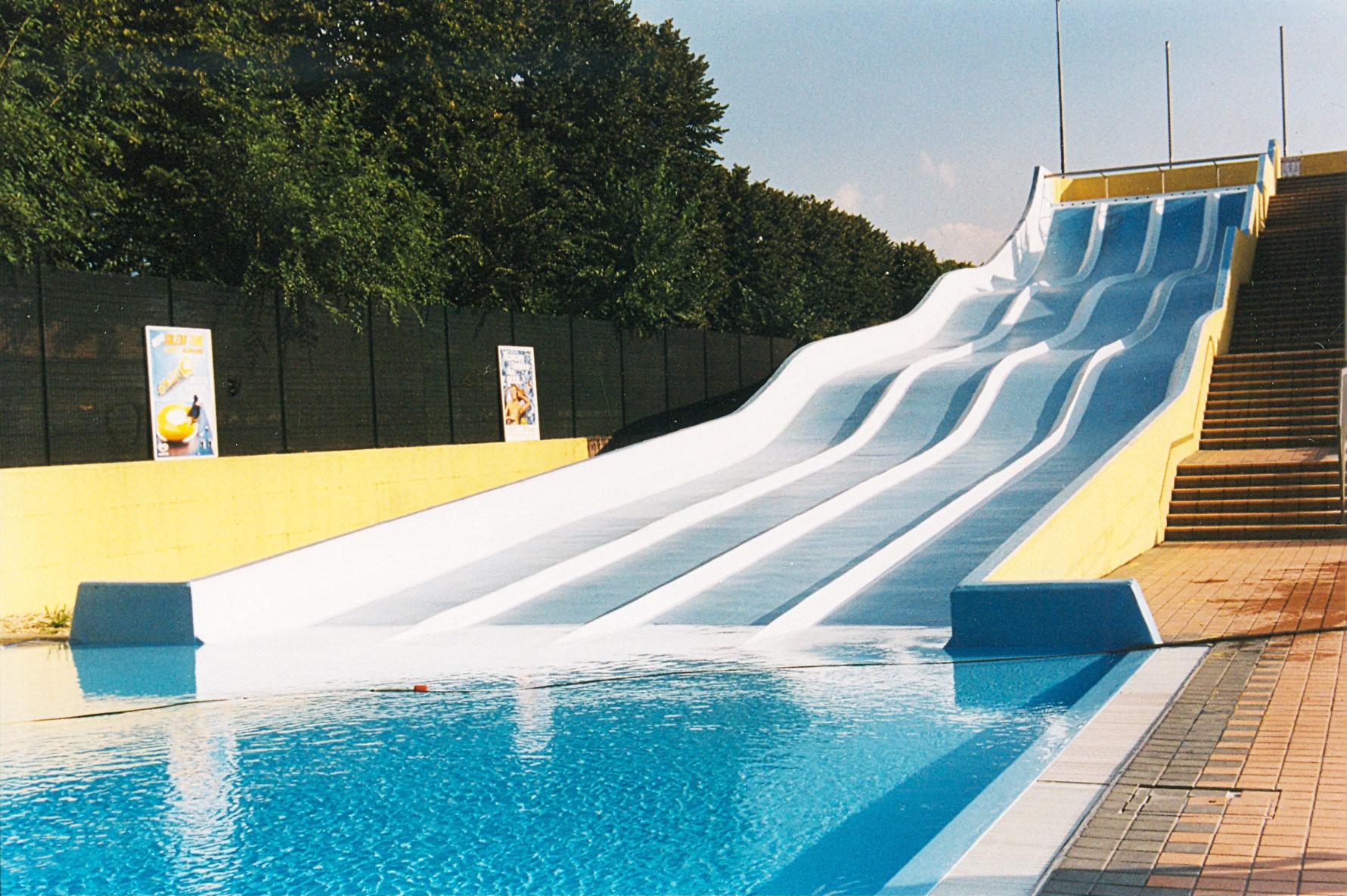 Costruzione piscine laghetti artificiali e opere idrauliche for Vasche per laghetti artificiali